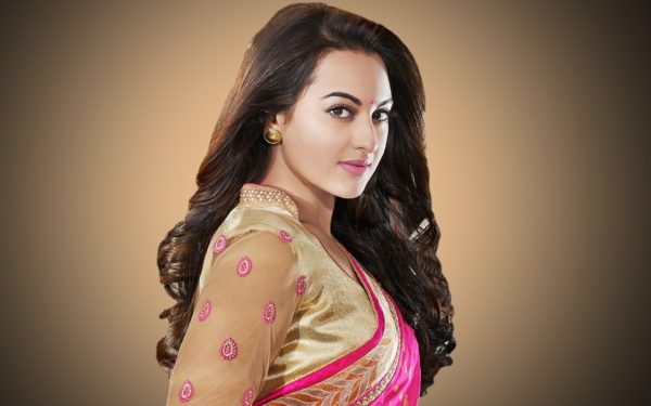 Сонакши Синха (Sonakshi Sinha)